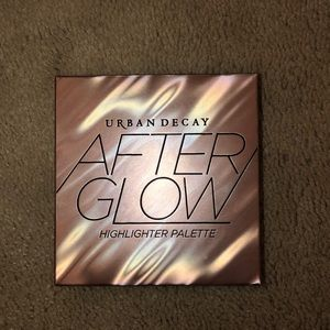 NWT Urban Decay After Glow Highlighter Palette